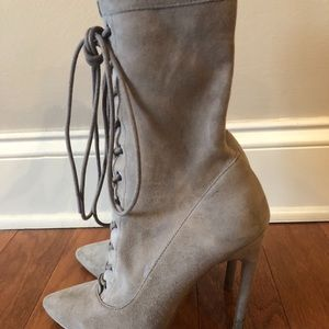 8c5d243cd59 Steve Madden Shoes - Steve Madden Satisfied in Taupe
